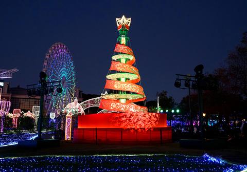 【12/21柳川発 】クリスマスカラーのハウステンボスへ
